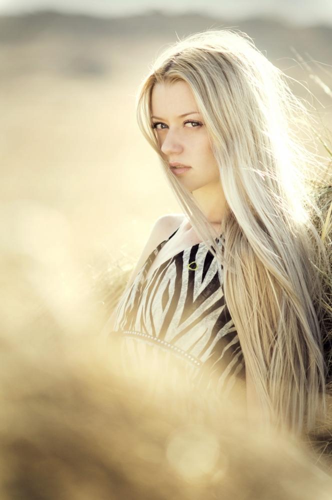 Красивый блонд.