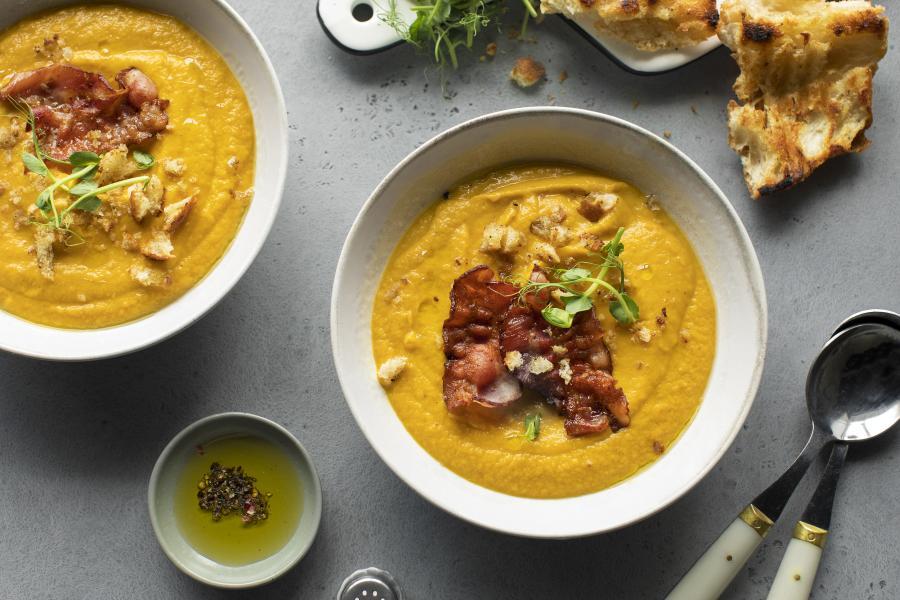 Тыквенный суп-пюре с хрустящим беконом
