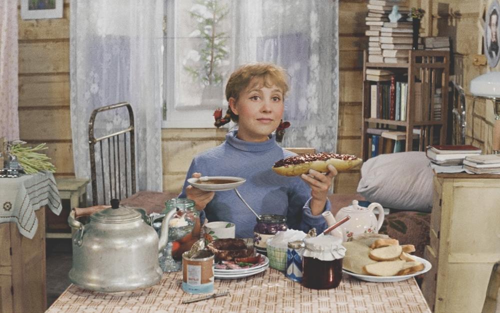 Какое учебное заведение окончила Тося Кислицына из фильма «Девчата»?