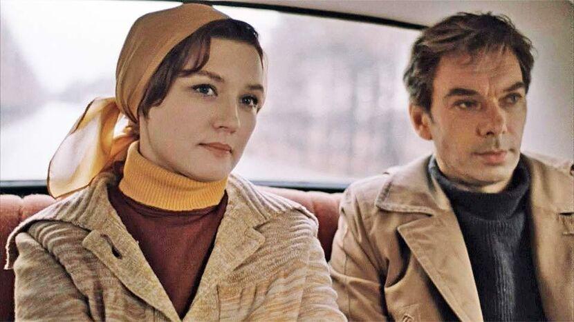 Продолжи цитату из фильма Москва слезам не верит: Не учи меня жить, ...