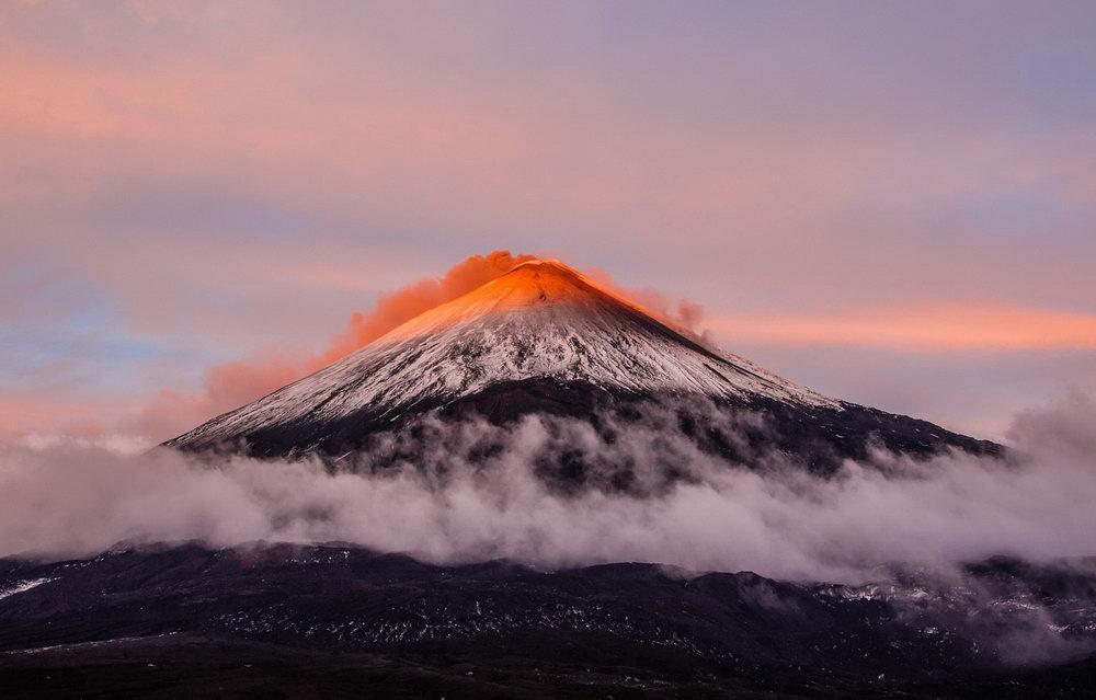 Какой камчатский вулкан раньше назывался ительменским названием Уташуд?