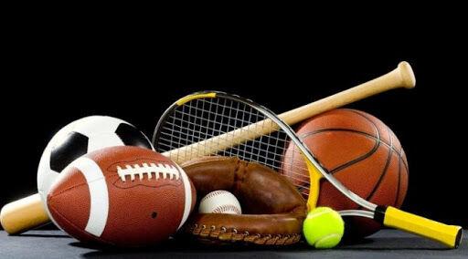В какой из этих игр используется мяч наибольшей величины?