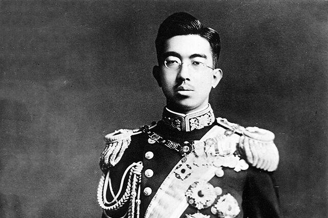Правда ли, что никто не считал кощунством прикасаться к императору Японии до Второй мировой войны?