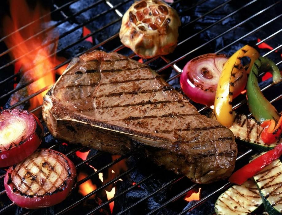 Как правильно жарить большие куски мяса?