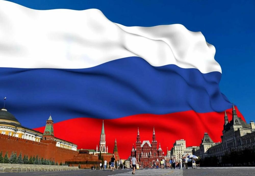 Что означают СИНИЙ цвет российского флага?