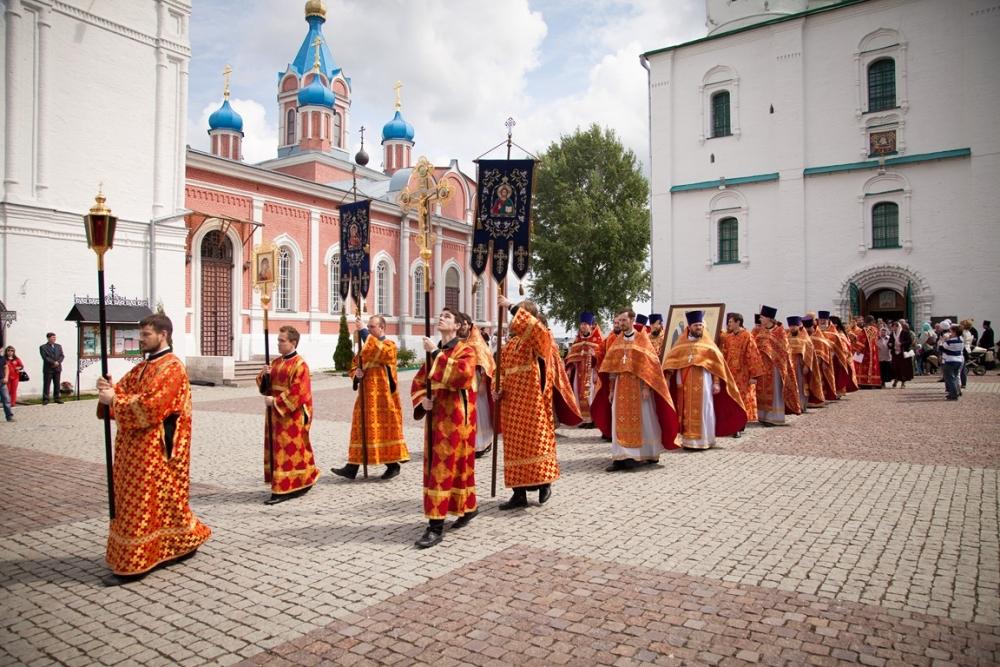 В каком российском городе впервые отмечали «Праздник славянской письменности»?