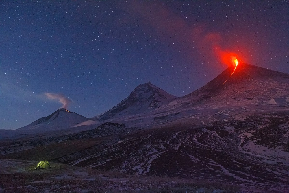 В честь какого русского царя был назван вулкан, находящийся острове Итуруп Большой Курильской гряды?