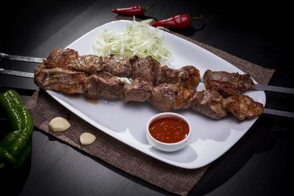 В чем замачивают мясо для шашлыка в Киргизии?