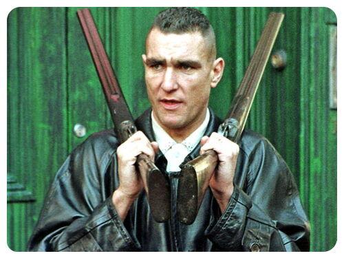 Продолжи фразу из фильма Карты, деньги, два ствола: У них же, мать их, пушки, ...
