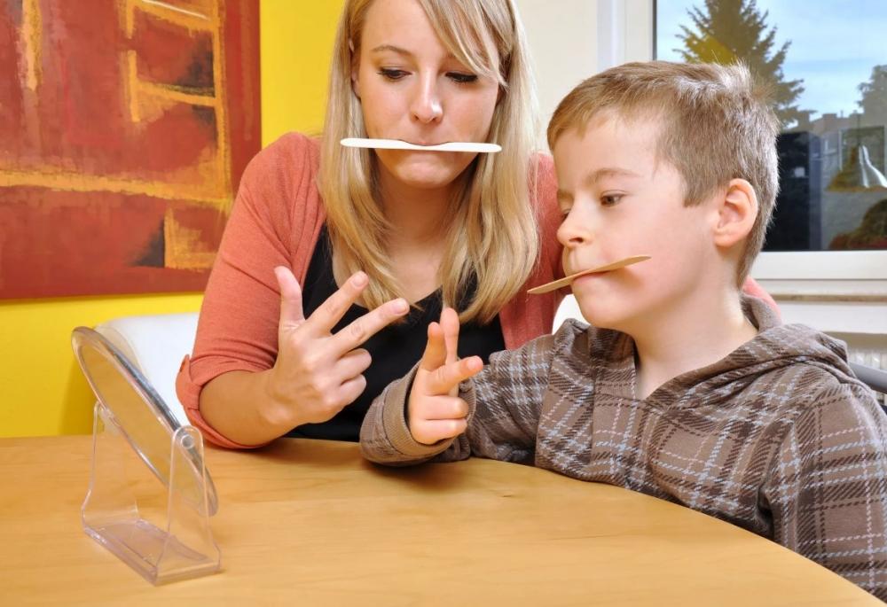 Какая ведущая форма деятельности в дошкольном возрасте?