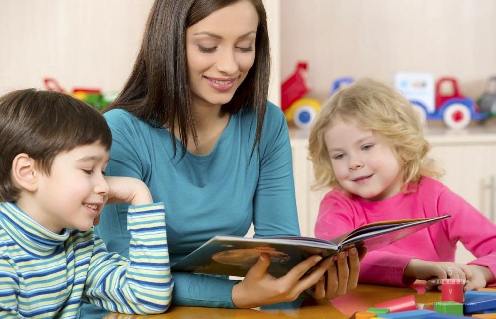Педагогический процесс, направленный на коррекцию и компенсацию нарушений речевой деятельности, на воспитание и развитие ребенка с речевым нарушением-это.