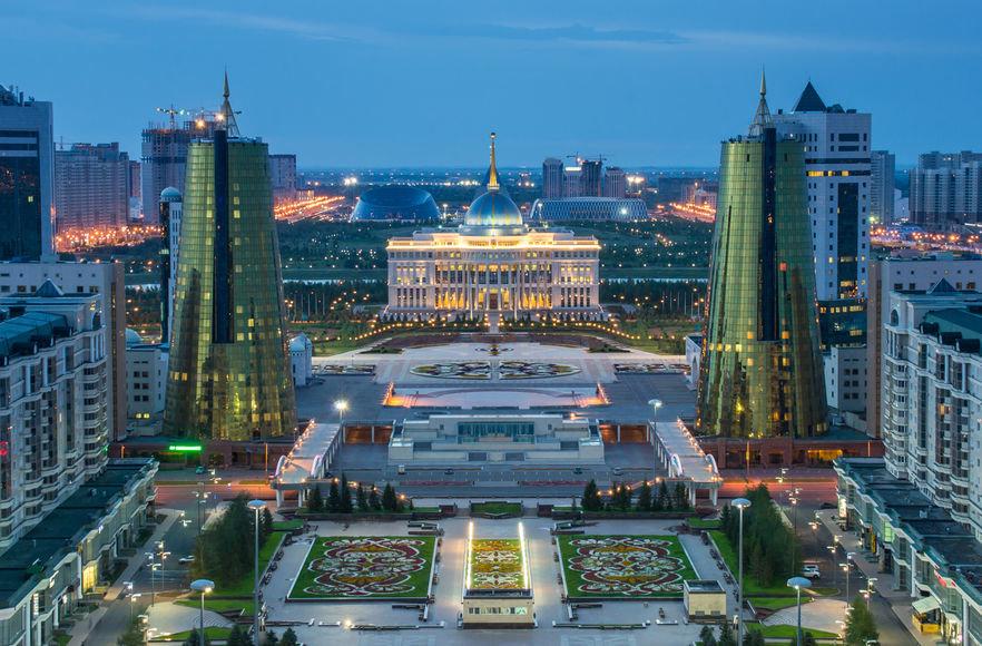 Какая страна была первой, кто признал независимость Казахстана?