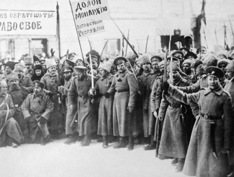 Событие, положившее конец «Двоевластию» после Февральской революции 1917 года: