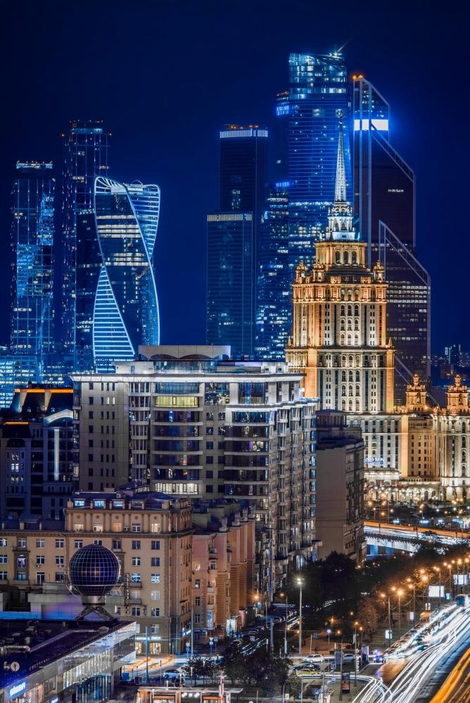 Какой китайский город занимает первое место по количеству населения в стране?