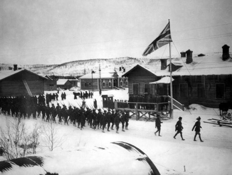 Во время интервенции Антанты в Россию в 1918 – 1921 гг. созданные англичанами концентрационные лагеря на острове Мудьюг и в бухте Иоканьга находились недалеко от