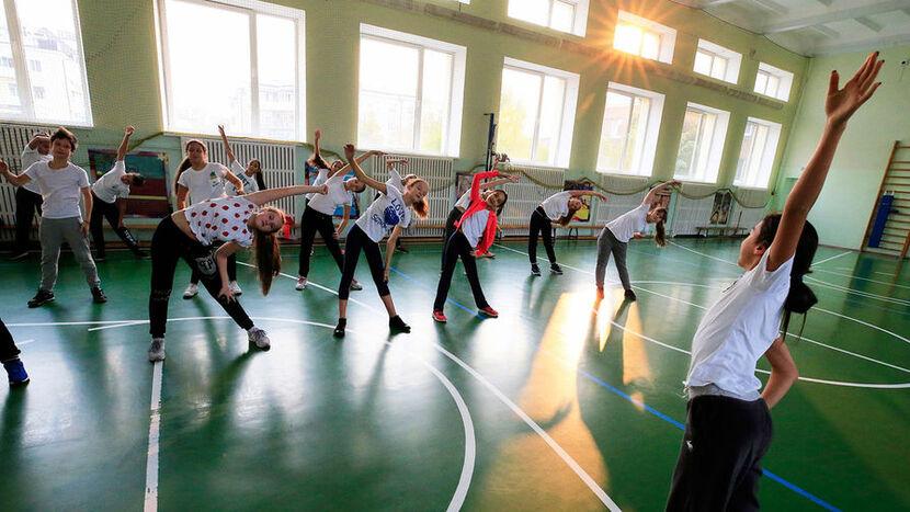 В физическом воспитании школьников восстановительные физические нагрузки применяют преимущественно для...